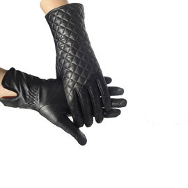 China Fashion Ladies Genuine Shearling Gloves Women'S Wool Lined Leather Gloves supplier
